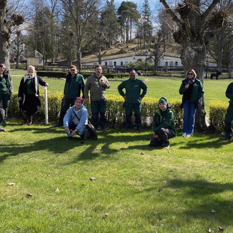Hågelbyparkens team utomhus en vacker vårdag
